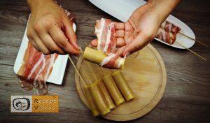 Im Pfannkuchenteig gebackene Käse-Bacon-Würstchen Rezept - Zubereitung Schritt 3