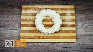 Mit Haselnusscreme gefüllter Bananenkranz Rezept - Zubereitung Schritt 5