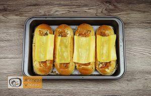 Hotdog mit Bolognesesauce Rezept - Zubereitung Schritt 4