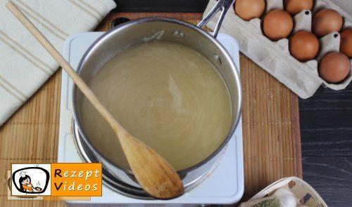 Einfache Eiersuppe Rezept - Zubereitung Schritt 2