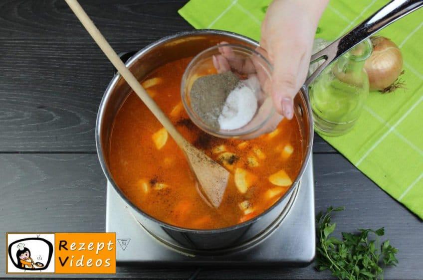 Traditionelle Erbsensuppe mit gezupften Nudeln Rezept - Zubereitung Schritt 6