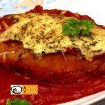 Mit Käse gefüllte Tomaten-Hähnchenbrust