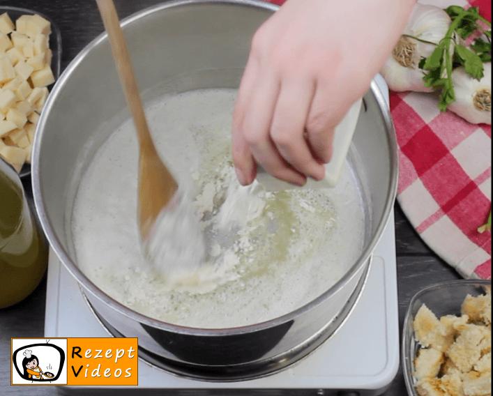 Käsecremesuppe Rezept - Zubereitung Schritt 2