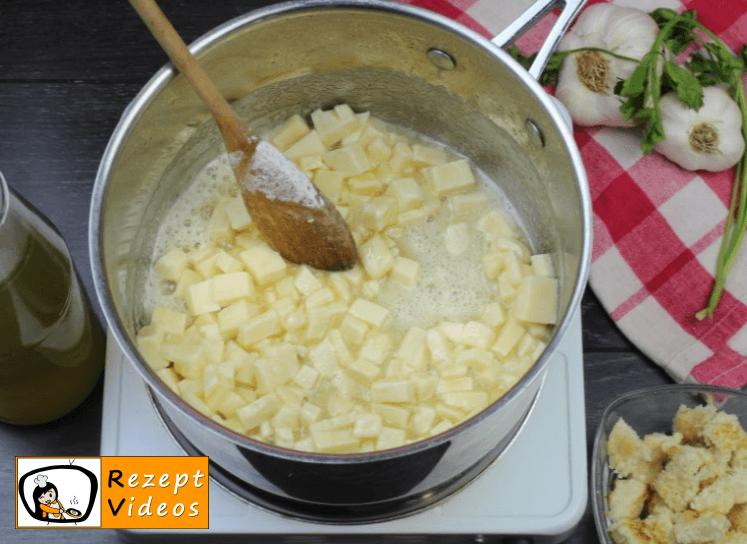 Käsecremesuppe Rezept - Zubereitung Schritt 3