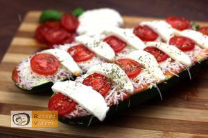 Zucchini-Pizza Rezept - Zubereitung Schritt 4