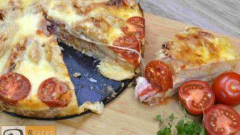 Sandwich-Torte mit Béchamelsoße