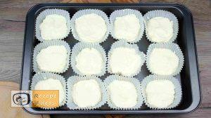 Mini Zitronen-Käsekuchen Rezept - Zubereitung Schritt 6
