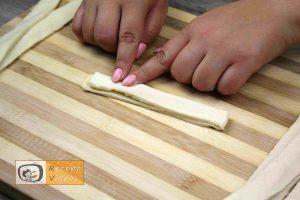 Hotdog-Schlangen Rezept - Zubereitung Schritt 3