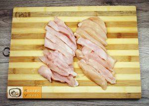 Hähnchensticks im Knoblauchsauerrahm-Mantel Rezept - Zubereitung Schritt 1