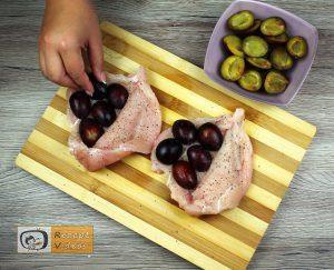 Mit Pflaumen gefüllte Hähnchenbrust im Speckmantel Rezept - Zubereitung Schritt 2