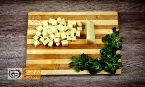 Mit Käse gefüllte Fleischbällchen im Speckmantel Rezept - Zubereitung Schritt 3