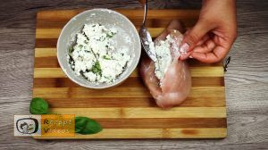 Mit Feta und Basilikum gefüllte Hähnchenbrust im Speckmantel Rezept - Zubereitung Schritt 3