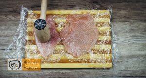 Mit Feta und Rukola gefüllte Hähnchenbrust-Roulade im Schinkenmantel Rezept - Zubereitung Schritt 1