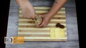 Mit Gehacktem gefülltes Knoblauch-Baguette Rezept - Zubereitung Schritt 2