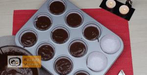 Tannenbaum- und Nikolausmützen-Muffins Rezept Zubereitung Schritt 5