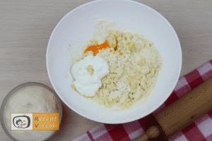 Käse-Pogatschen Rezept - Zubereitung Schritt 2