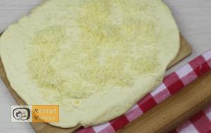 Käse-Pogatschen Rezept - Zubereitung Schritt 5
