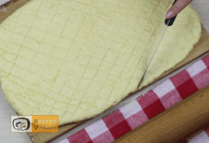 Käse-Pogatschen Rezept - Zubereitung Schritt 7