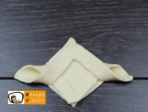 Blätterteigtaschen mit Pflaumenmus Rezept - Zubereitung Schritt 3