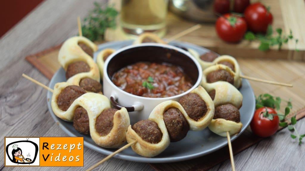 Gespickte Fleischbällchen in Tomatensauce - Rezept Videos