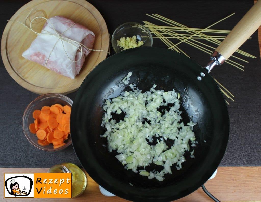 Spaghetti Bolognese Rezept Zubereitung Schritt 1