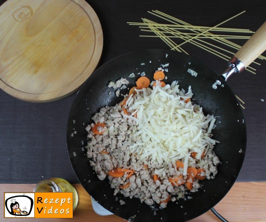 Spaghetti Bolognese Rezept Zubereitung Schritt 3