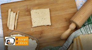 Schinken-Käsestangen Rezept Zubereitung Schritt 1