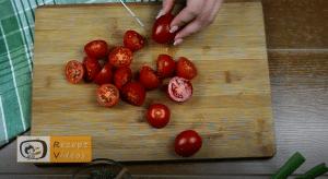 Tomatenhäppchen im Schlafrock Rezept Zubereitung Schritt 1