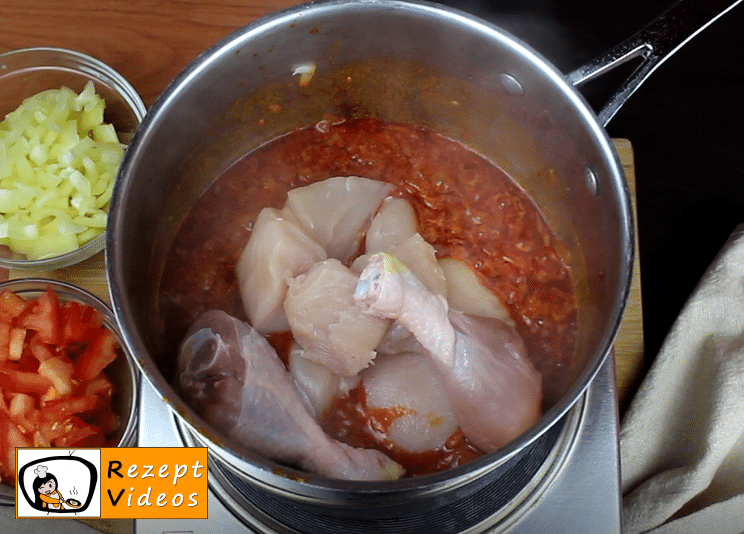 Paprika-Hähnchen mit Sauerrahm Rezept - Zubereitung Schritt 3