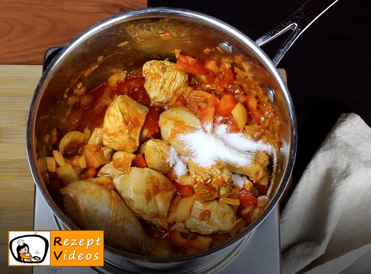 Paprika-Hähnchen mit Sauerrahm Rezept - Zubereitung Schritt 5