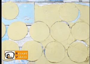 Blaubeer-Frischkäse-Blätterteigtaschen Rezept Zubereitung Schritt 1
