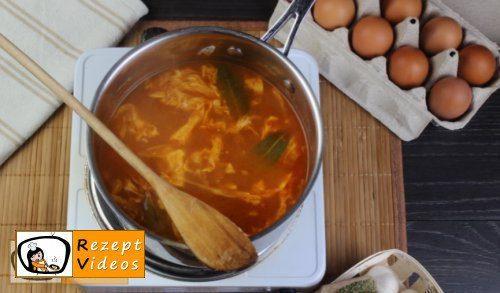 Einfache Eiersuppe Rezept - Zubereitung Schritt 7