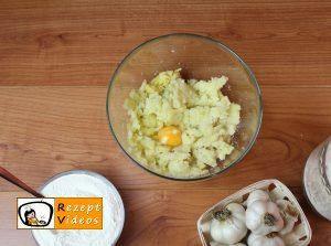Knoblauch-Gnocchi mit Käsesoße Rezept - Zubereitung Schritt 2