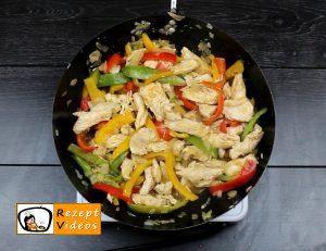 Hähnchen-Gemüse-Penne Rezept - Zubereitung Schritt 3