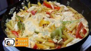 Hähnchen-Gemüse-Penne Rezept - Zubereitung Schritt 5
