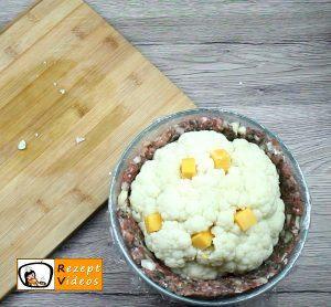 Mit Käse gefüllter Blumenkohl im Fleischmantel Rezept Zubereitung Schritt 4