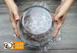 Mit Käse gefüllter Blumenkohl im Fleischmantel Rezept Zubereitung Schritt 7