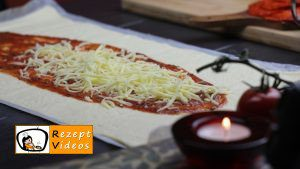 Mumien-Pizza Rezept Zubereitung Schritt 1
