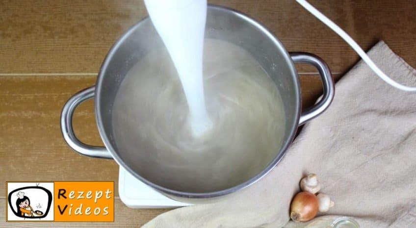 Pilzcremesuppe Rezept - Zubereitung Schritt 6