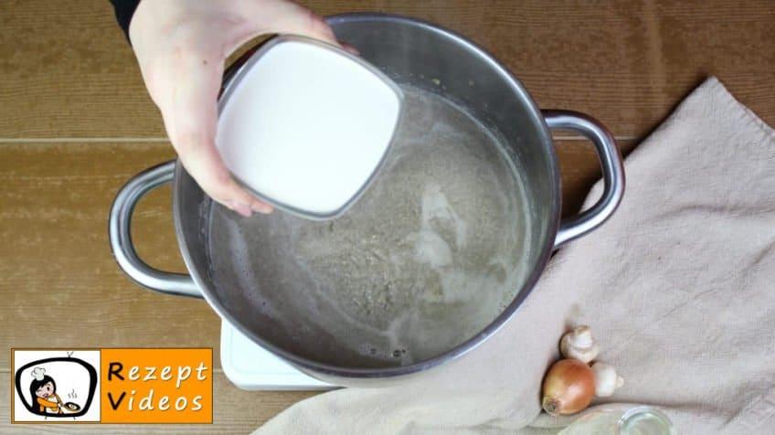 Pilzcremesuppe Rezept - Zubereitung Schritt 7
