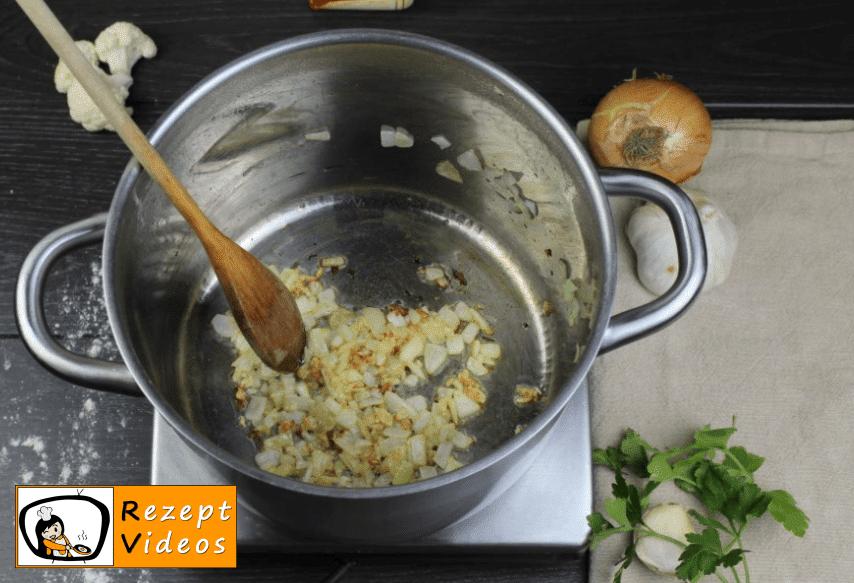 Blumenkohlsuppe mit Sauerrahm Rezept - Zubereitung Schritt 1
