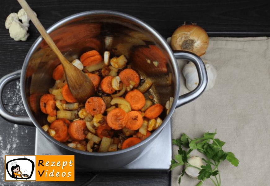 Blumenkohlsuppe mit Sauerrahm Rezept - Zubereitung Schritt 3
