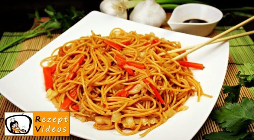 Chinesische Gemüsenudeln - Rezept Videos