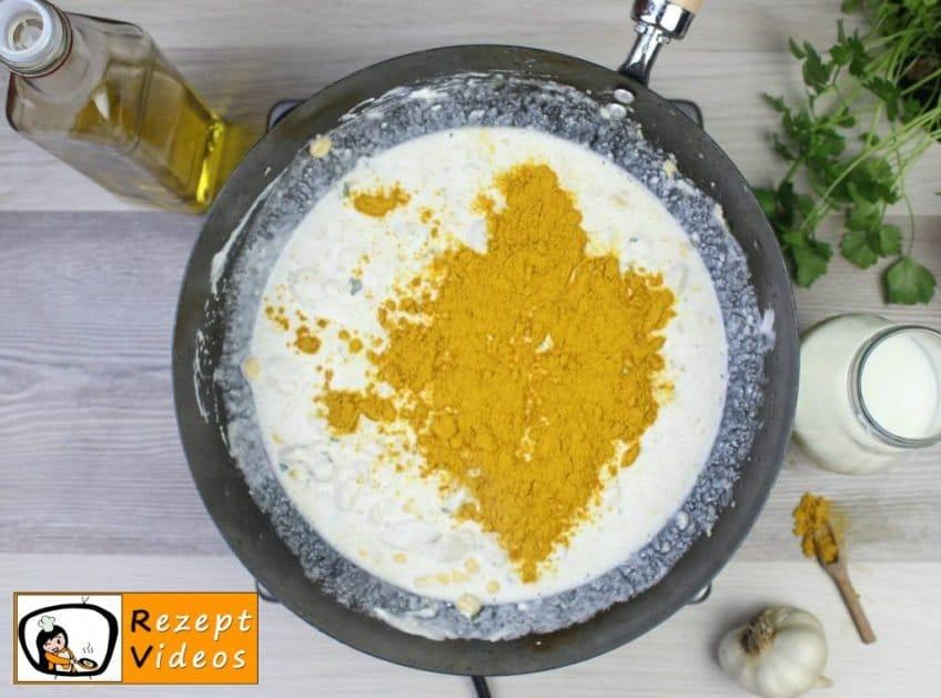 Hähnchenbrust in Sauerrahm-Curry-Sauce Rezept Zubereitung Schritt 6