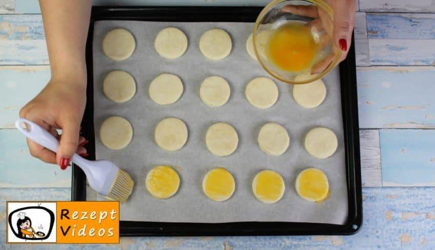 Schafquark-Pogatschen Rezept - Zubereitung Schritt 4