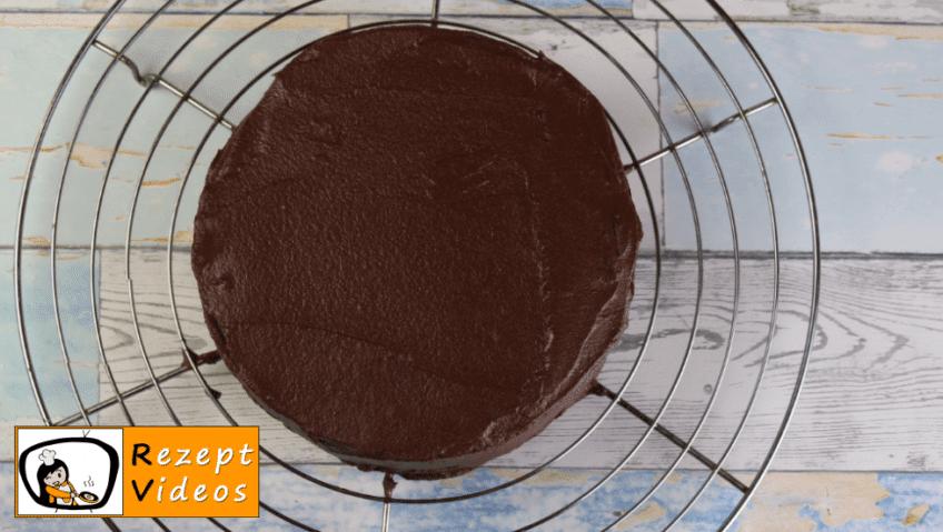 Schokoladentorte Rezept - Zubereitung Schritt 10