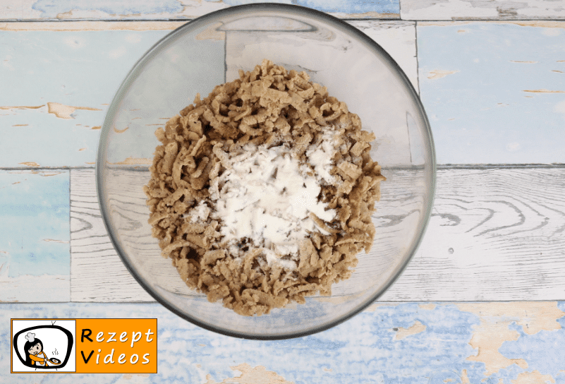 Maronen-Sahnetorte Rezept - Zubereitung Schritt 6