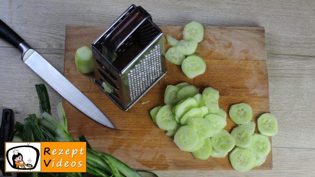 Gurkensalat Rezept - Zubereitung Schritt 1