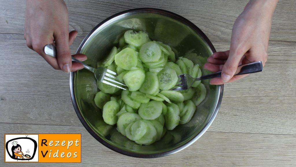 Gurkensalat Rezept - Zubereitung Schritt 2