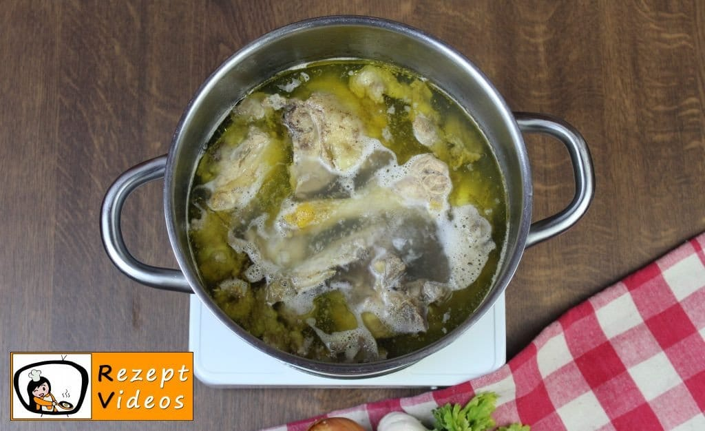 Hühnersuppe Rezept - Zubereitung Schritt 1